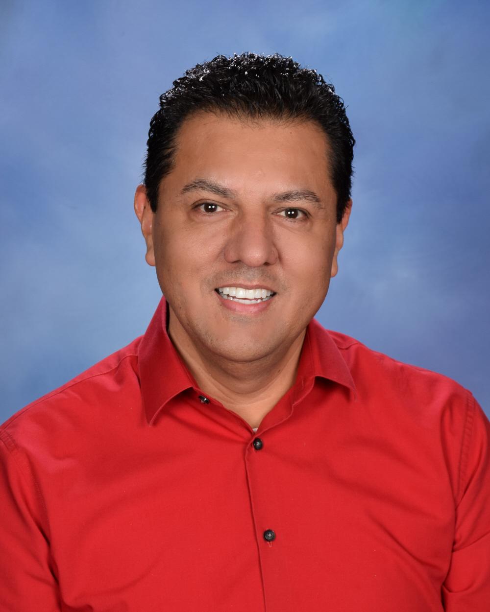 Alfredo Ramirez</br>                                                                   Support Specialist, Sr.