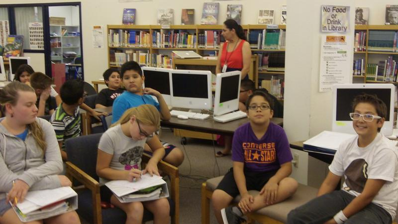 CDMS Students Reading