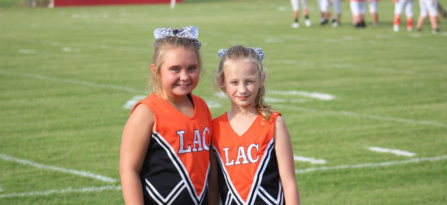 Pee-wee cheerleaders